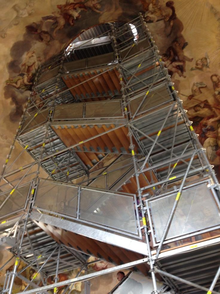 Escadas Karlskirche, em Viena