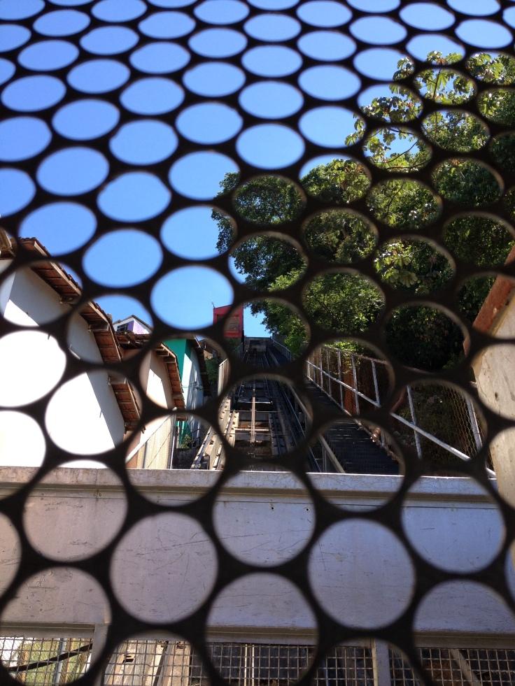 Subida no funicular da Favela Santa Marta, no Morro Dona Marta