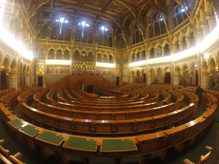 Sala onde os parlamentares húngaros trabalham